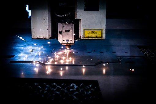 cięcie plexi laserem we wzory
